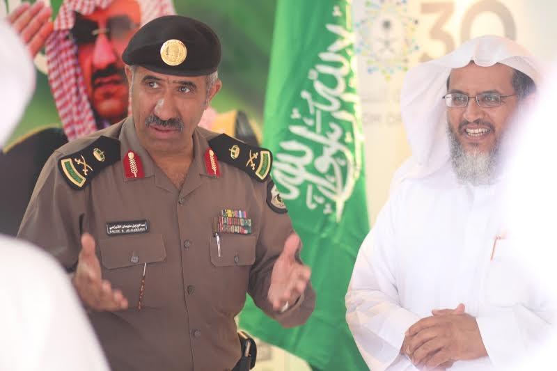 مدير شرطة عسير يزور خيمة أبها السياحية الدعوية 8