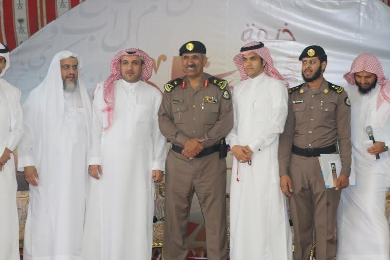 مدير شرطة عسير يزور خيمة أبها السياحية الدعوية 9