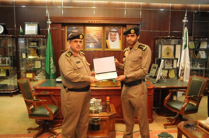 مدير شرطة منطقة الجوف يكرم عددا من ضباط وأفراد شرطة5
