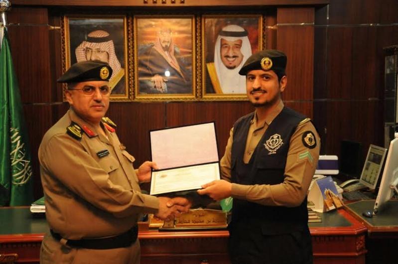 مدير شرطة منطقة الجوف يكرم عددا من ضباط وأفراد شرطة7