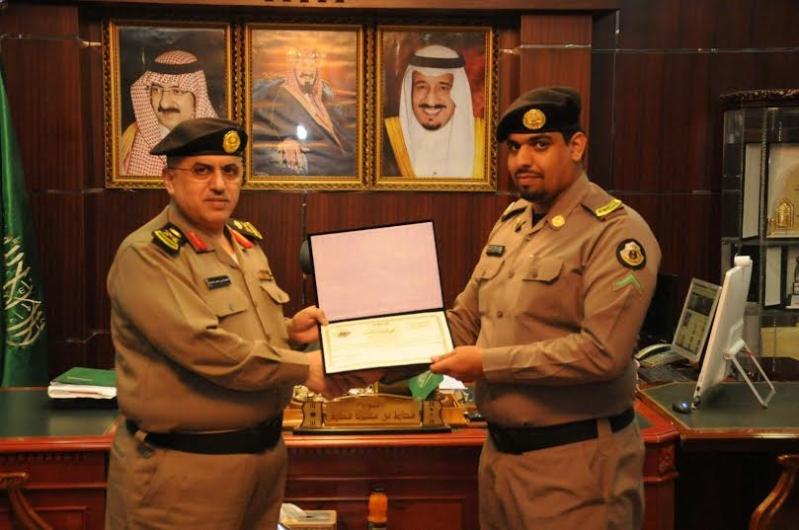 مدير شرطة منطقة الجوف يكرم عددا من ضباط وأفراد شرطة9