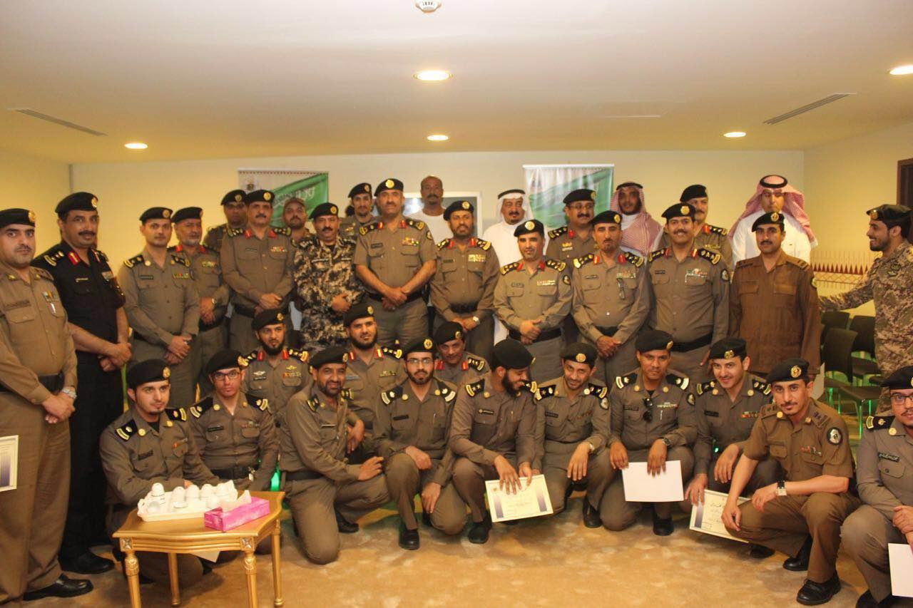 مدير شرطة منطقة عسير يفتتح المركز الثقافي بالمديرية (3)