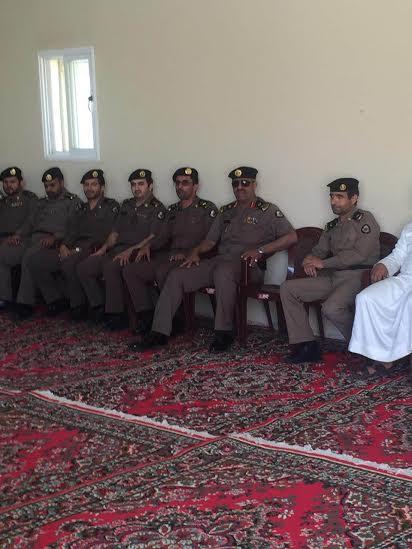 مدير شرطة منطقة عسير يقدم واجب العزاء لمدير شرطة بللسمر في وفاة شقيقته
