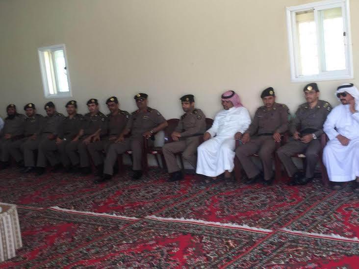مدير شرطة منطقة عسير يقدم واجب العزاء لمدير شرطة بللسمر في وفاة شقيقته1