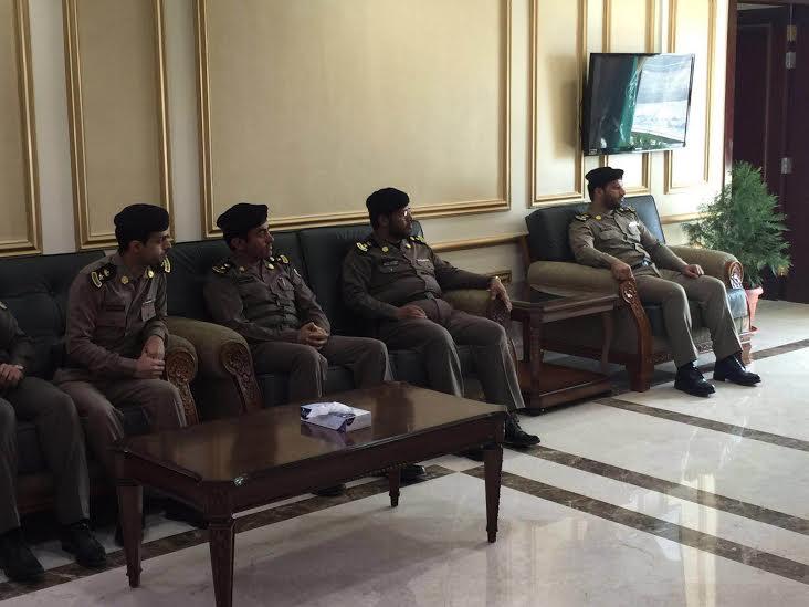 مدير شرطة منطقة عسير يقلد عدد من الضباط رتبهم الجديدة 6
