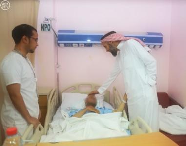 مدير صحة المدينة يزور المصابين في الحادث 1