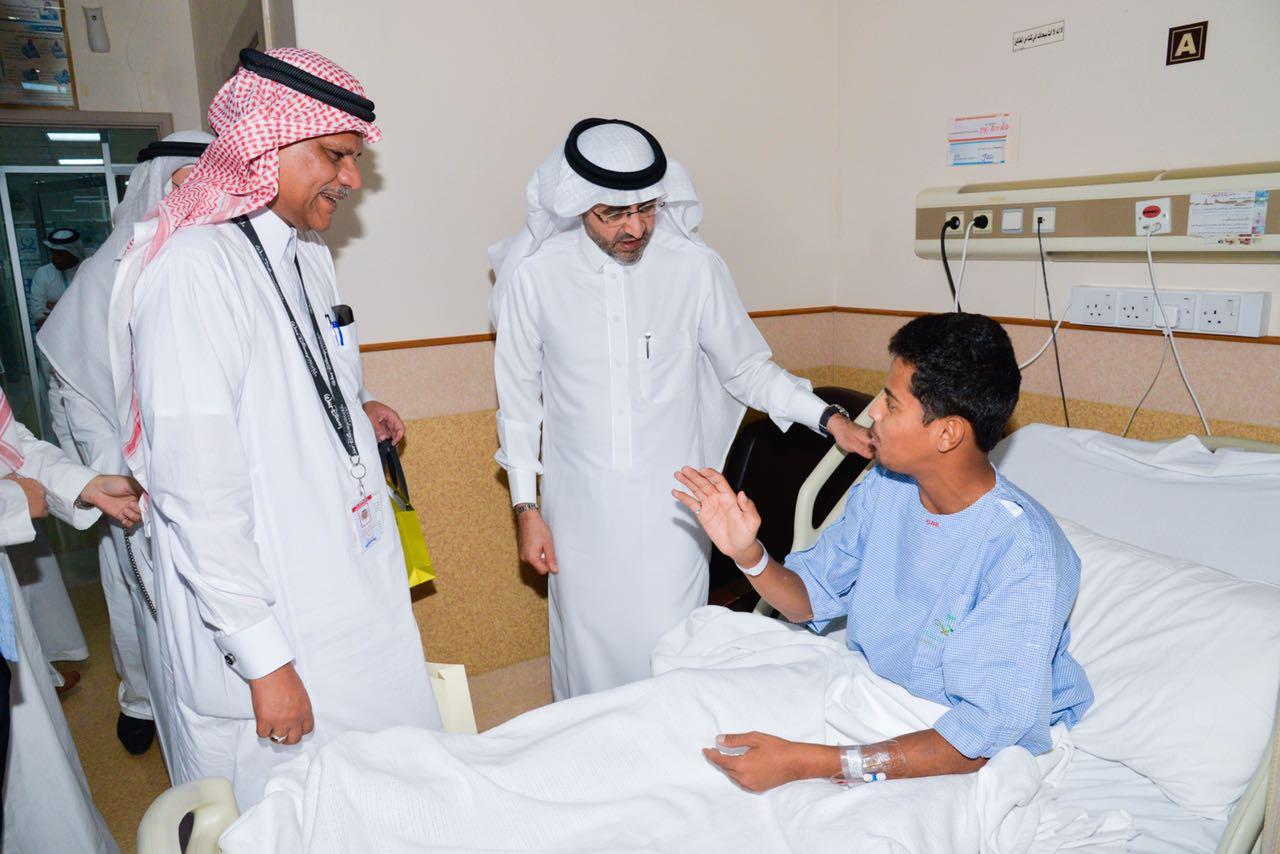 مدير صحة جدة يهيب بالعاملين في المستشفيات لبذل المزيد من الجهود  (5)