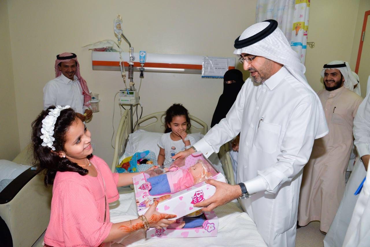 مدير صحة جدة يهيب بالعاملين في المستشفيات لبذل المزيد من الجهود  (6)