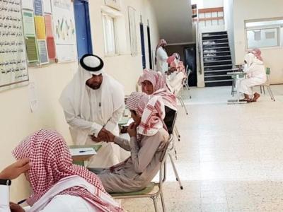 مدير عام التعليم في منطقة عسير جلوي آل كركمان يقوم بزيارة  عدد من المدارس 7