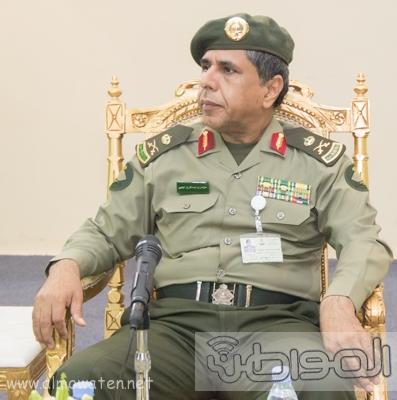 مدير عام الجوازات يرعى حفل تخريج دبلوم الجوازات للضباط  (1)