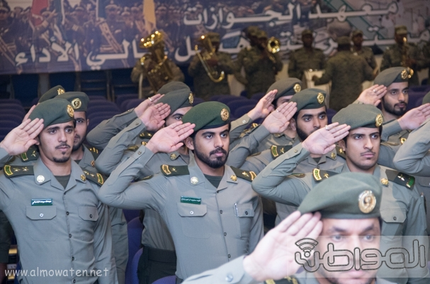 مدير عام الجوازات يرعى حفل تخريج دبلوم الجوازات للضباط  (157290857) 
