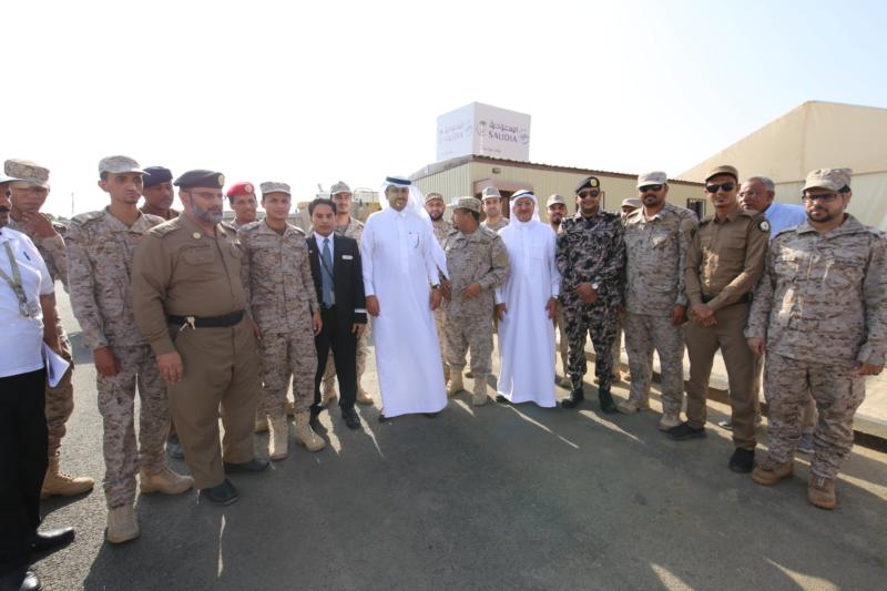 مدير عام الخطوط السعودية مع عدد من أفراد قوة جازان