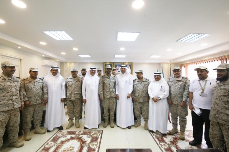 مدير عام الخطوط السعودية مع قائد قوة جازان