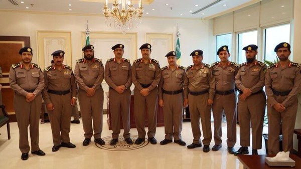 مدير عام الدفاع المدني اللواء سليمان بن عبدالله العمرو  يقلد عدد من الضباط رتبهم الجديدة