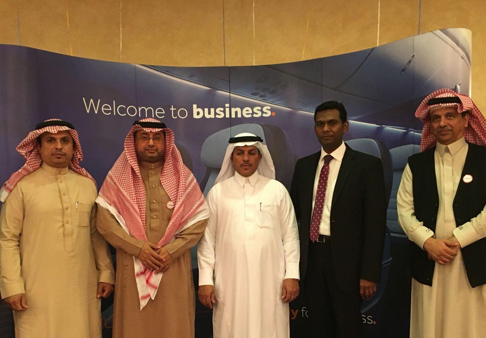 مدير عام المطارات الجنوبية يرعى حفل فلاي دبي بخميس مشيط (1)