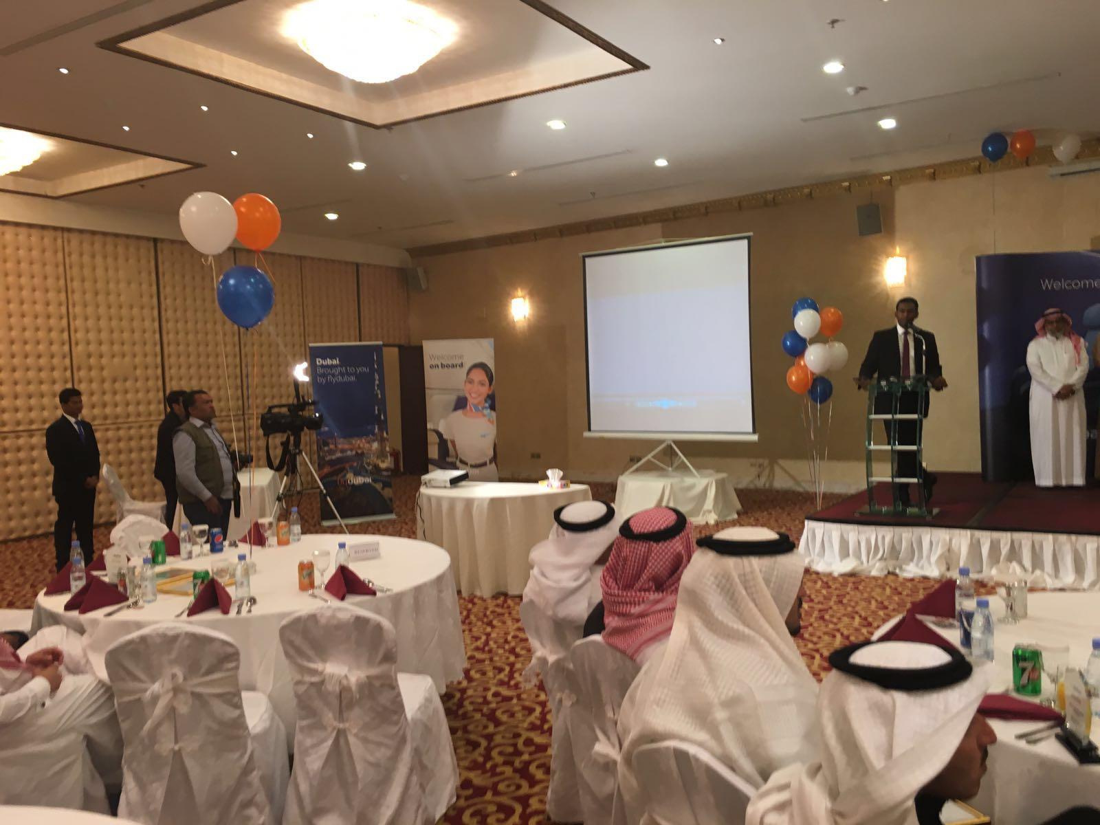 مدير عام المطارات الجنوبية يرعى حفل فلاي دبي بخميس مشيط (4)