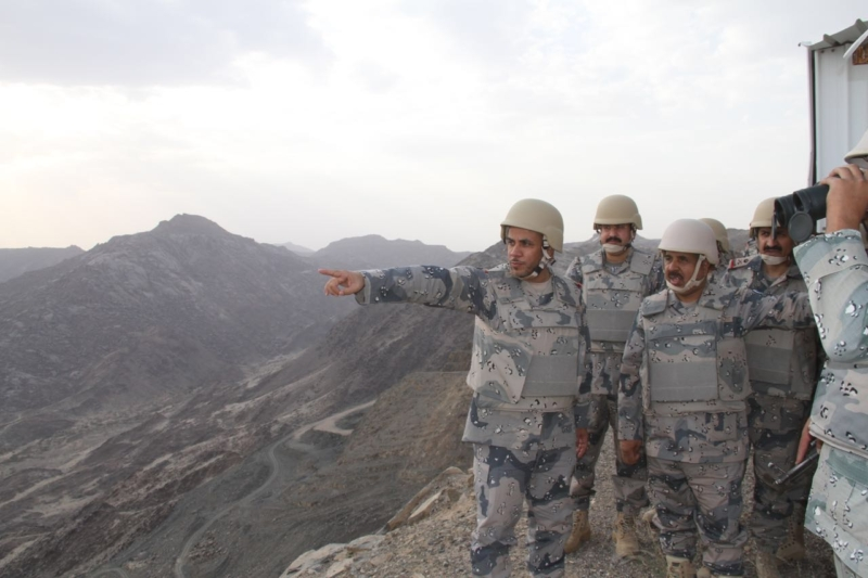 مدير عام حرس الحدود يَتفقّد المواقع الميدانية بمنطقة نجران (349840911) 