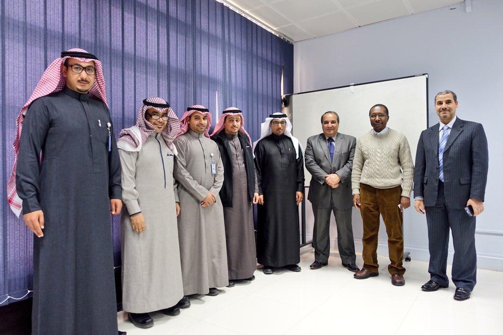 مدينة الامير محمد الطبية تبحث اليات التدريب والابتعاث مع جامعة الجوف (5)