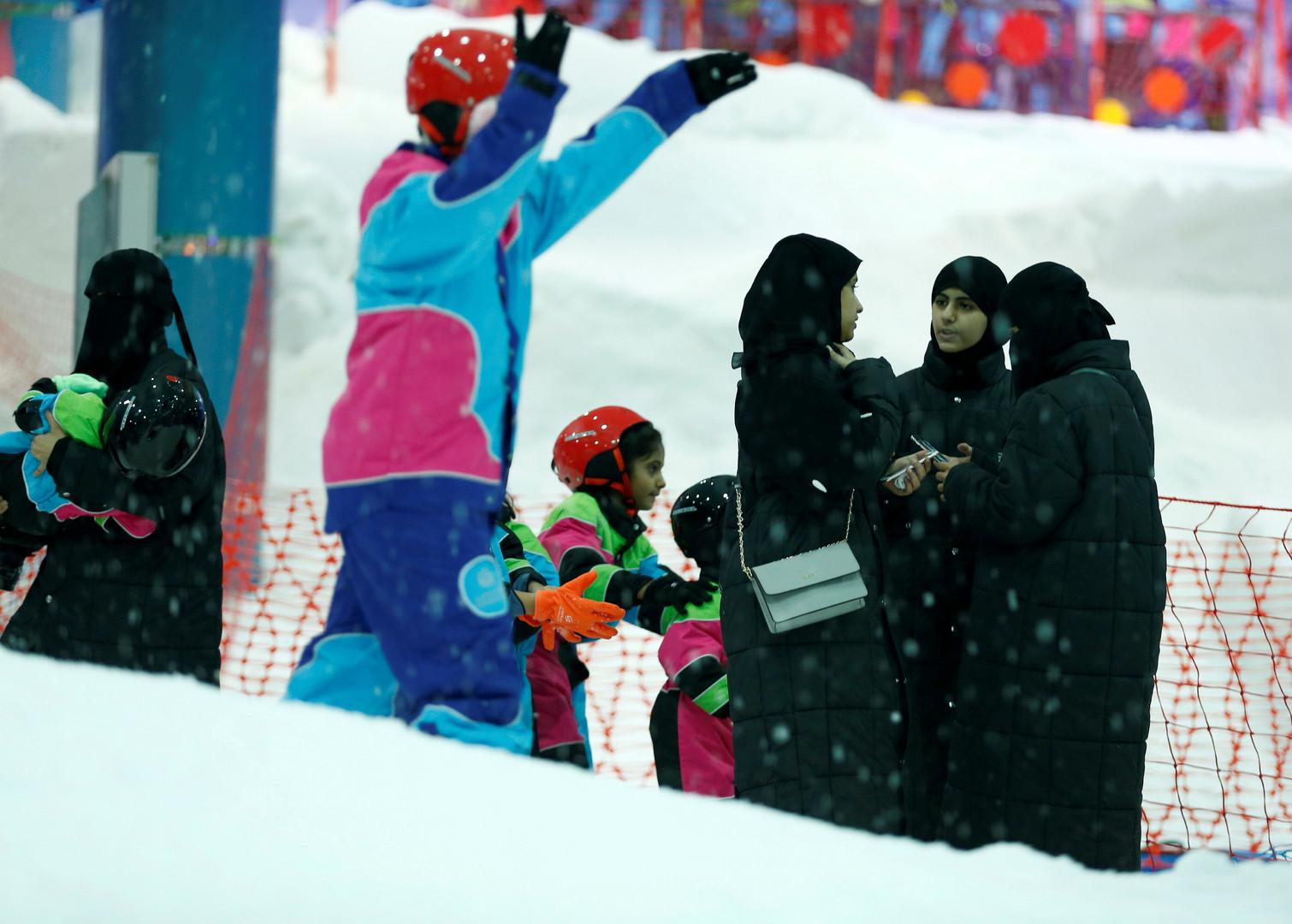 مدينة الثلج تفتح أبوابها في قلب الرياض اللاهب (2)