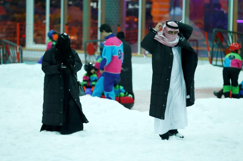 مدينة الثلج تفتح أبوابها في قلب الرياض اللاهب (3)