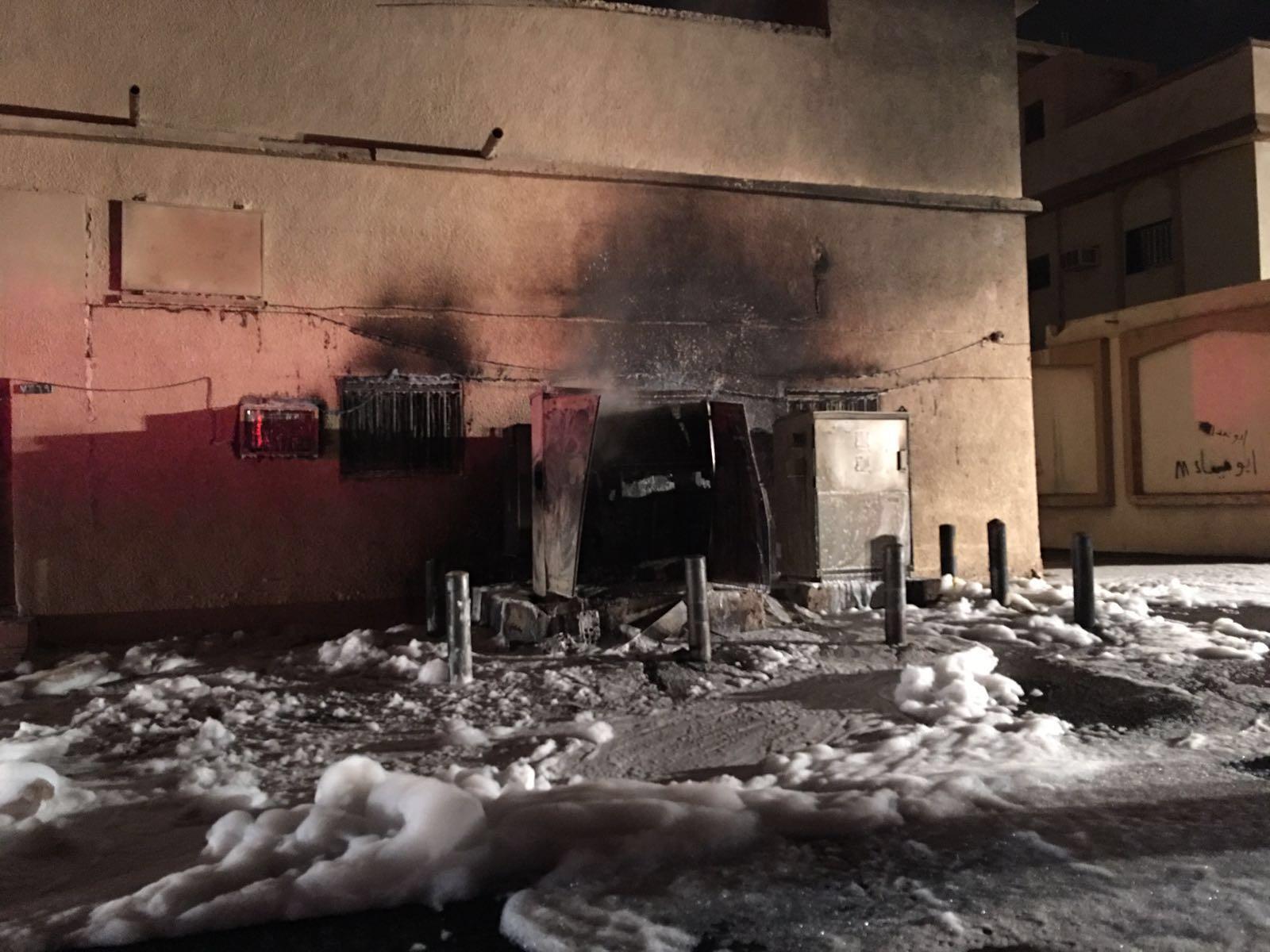 مدينة بريدة يخمد حريق اندلع بمحول كهربائي (1)