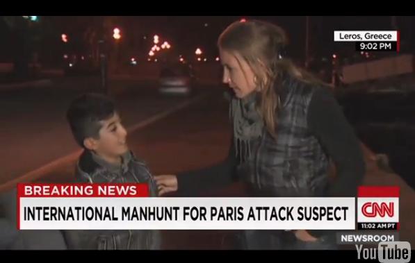 مراسلة قناة CNN الاميركية تقطع تقريرها على الهواء للتحدث مع طفل لاجئ بالعربية