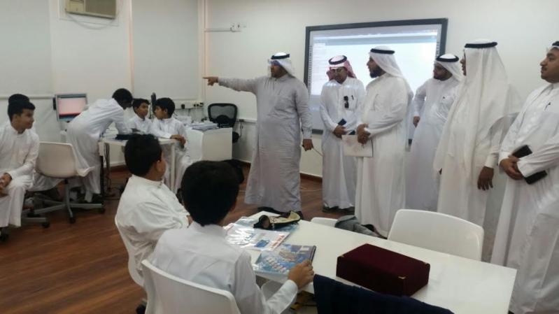 مراكز STEM المدرسية1