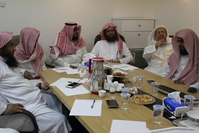مركز إشراف الدائري الغربي يناقش مع تحفيظ الرياض الخطة الميدانية 1