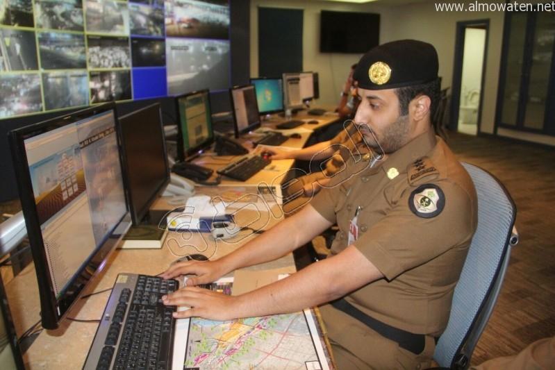 مركز القيادة والسيطرة بمبنى الأمن العام (50)