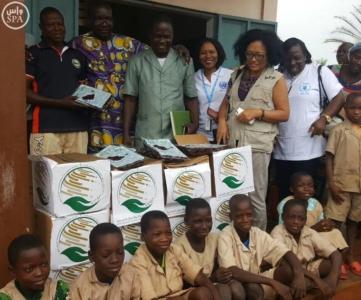 مركز الملك سلمان للإغاثة يقدم 72 طنًا من التمور لبرنامج الأغذية العالمي6