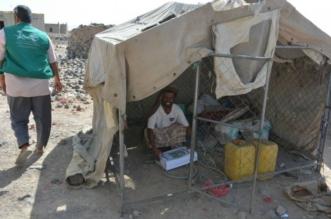 بالصور.. مركز الملك سلمان للإغاثة يوزع 800 كرتون تمور في أبين - المواطن