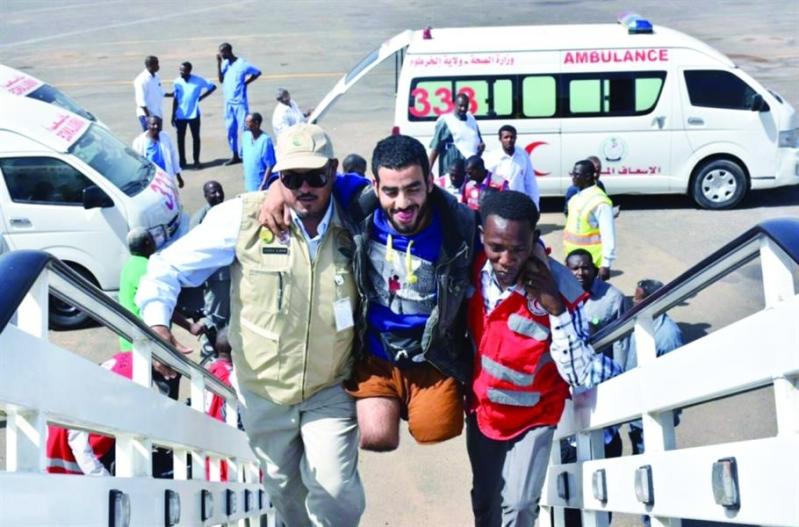 مركز الملك سلمان يسهل مهمة فريق طبي لمعالجة اليمنيين في شرورة