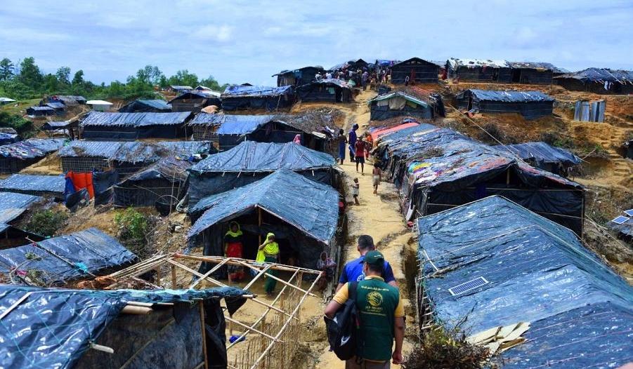 بالصور.. فريق مركز الملك سلمان يواصل تفقد مخيمات اللاجئين الروهينجا لتقييم الاحتياجات الطارئة