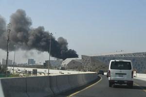 بالفيديو والصور.. فرق الإطفاء تكافح حريق #مركز_الشيخ_جابر_الثقافي بالكويت - المواطن