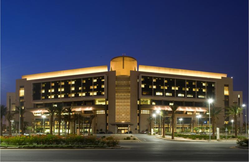 مستشفى الملك عبدالله الجامعي بالرياض ينهي هيكلة تكاليف الرعاية الصحية