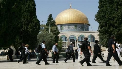 مستوطنون يهود يقتحمون المسجد الاقصى