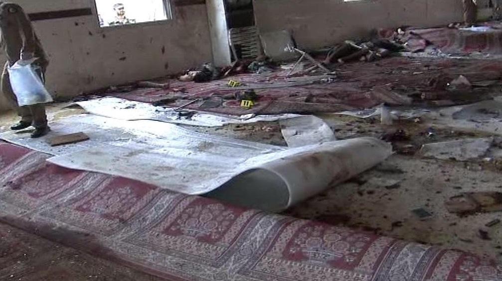صور تكشف حجم الدمار لمسجد قوات طوارىء عسير