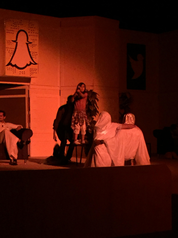 مسرحية ستوري (1)