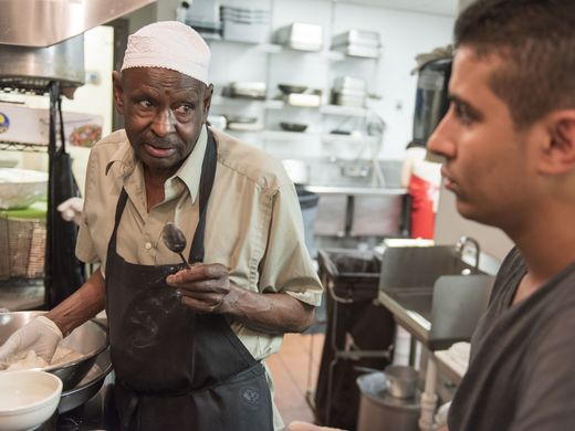 مسيحي في مطعم سعودي بأمريكا (2)