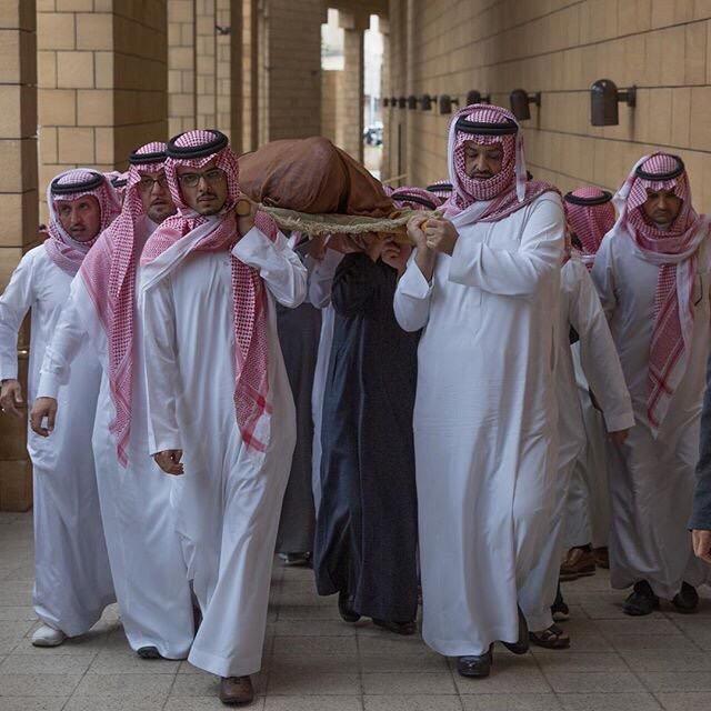 مشاهد دموع المحبين في وداع #بندر_الفيصل (1)