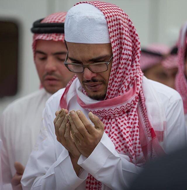 مشاهد دموع المحبين في وداع #بندر_الفيصل (3)