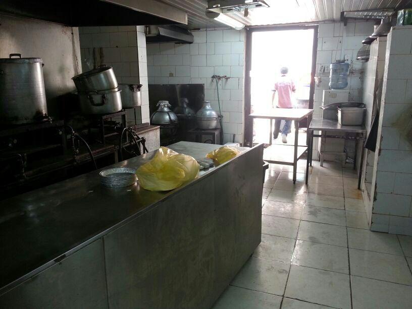 مصادرة ١٤٩٠ كجم من المواد الغذائية الفاسدة ببلدية الظهران (3)