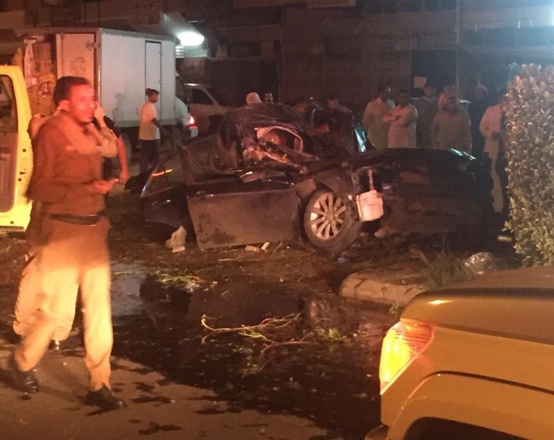 مصرع مواطن إثر انقلاب سيارته في الطائف (5)