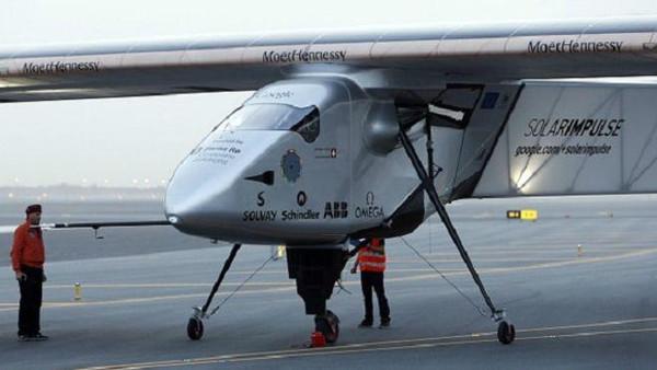 مصر تستقبل أول طائرة في العالم تعمل بالطاقة الشمسية قادمة من إسبانيا