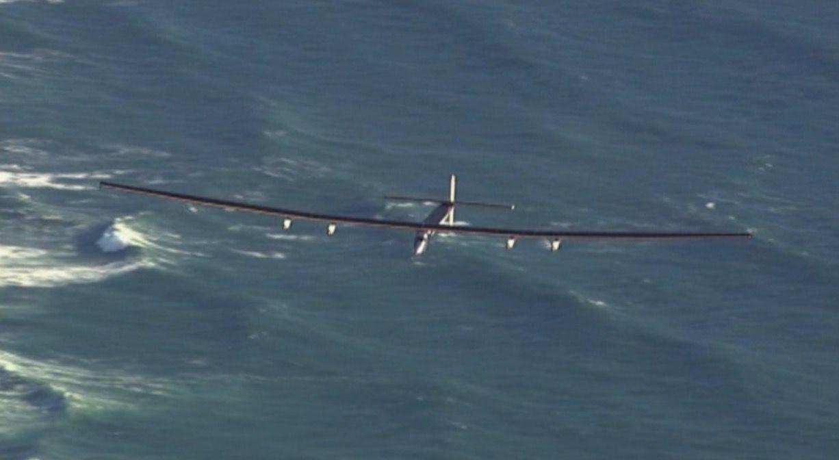 مصر تستقبل أول طائرة في العالم تعمل بالطاقة الشمسية قادمة من إسبانيا1