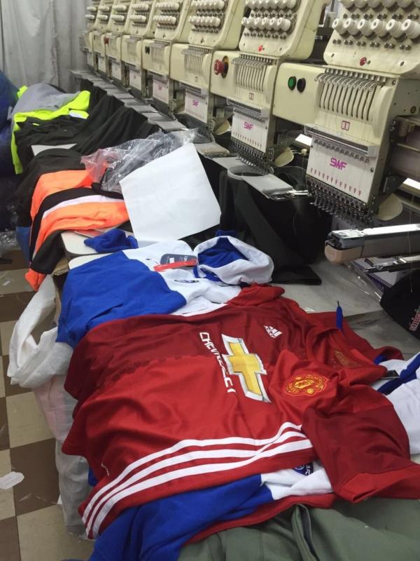 مصنع ملابس يغش العلامات التجارية2