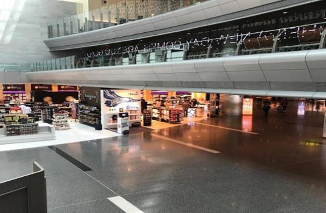مطار الدوحة خالٍ.. و13% هبوطًا في عدد المسافرين