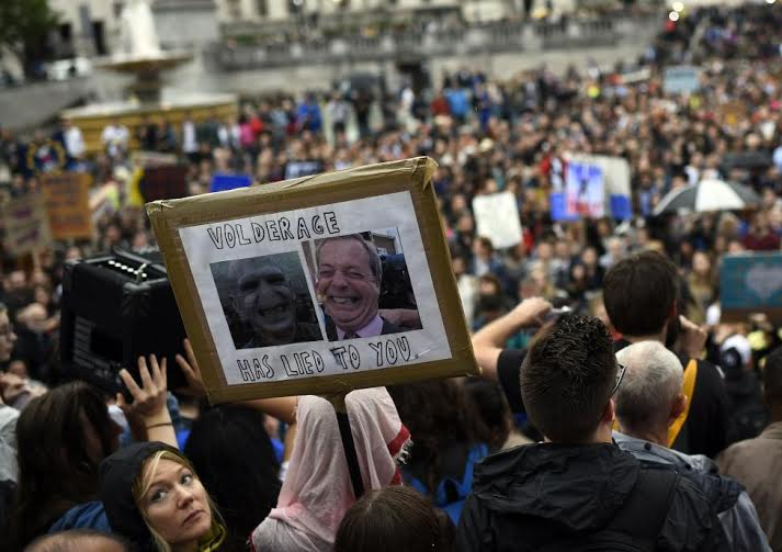 مظاهرات في لند بسبب خروط بريطانيا من الاتحاد الاروربي (1) 