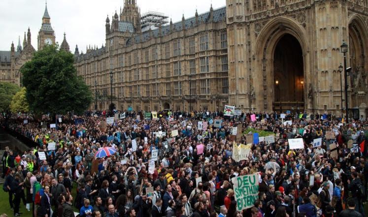 مظاهرات في لند بسبب خروط بريطانيا من الاتحاد الاروربي (160725429) 