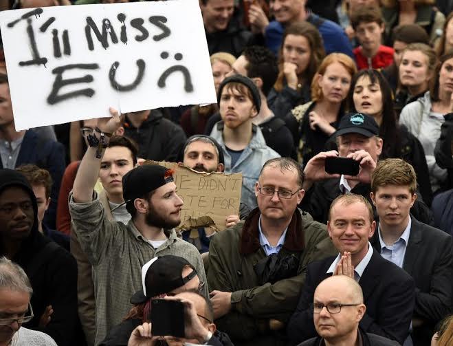 مظاهرات في لند بسبب خروط بريطانيا من الاتحاد الاروربي (160725430) 